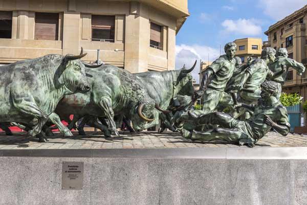 monumento-al-encierro